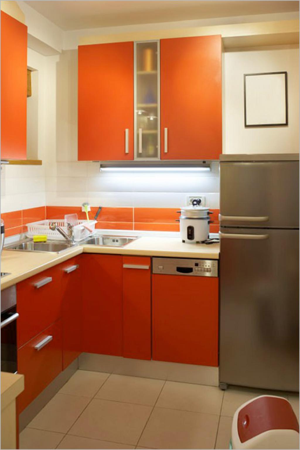Izaberite tople boje u kombinaciji sa bijelom.