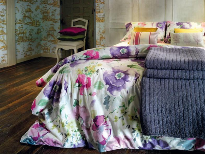 Posteljina sa cvjetnim uzorkom osvježiće svaku spavaću sobu.