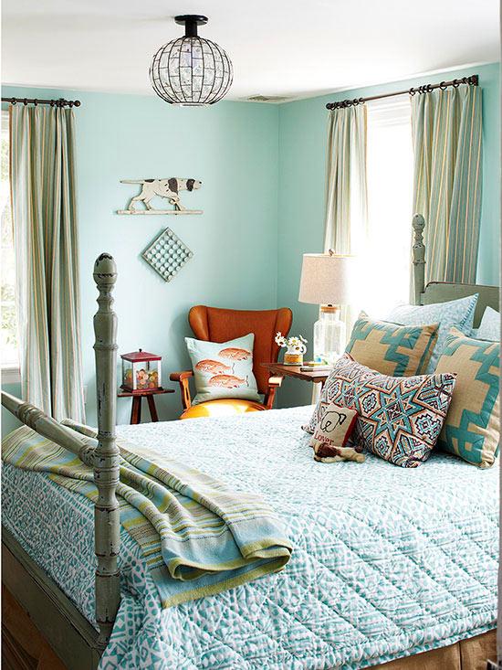 Spavaća soba u aqua plavoj boji.