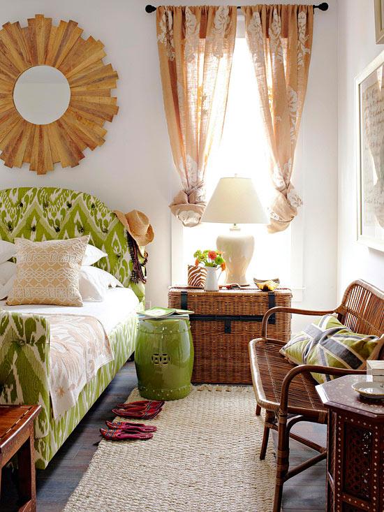 Spavaća soba u prirodnim bojama i teksturama.