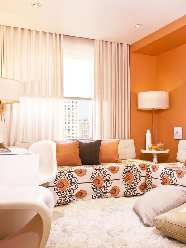 Vedre i tople boje će mali dnevni boravak učiniti prijatnijim